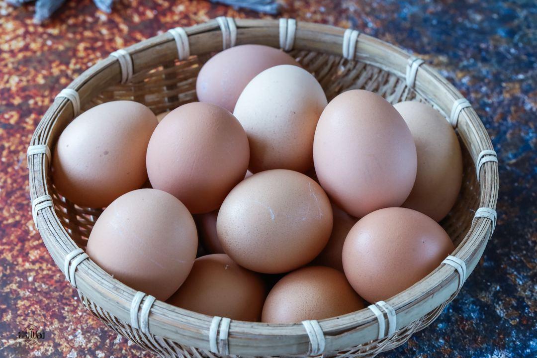 """朋友圈有人争论""""吃阿胶不如吃鸡蛋"""",是真的吗?插图(1)"""