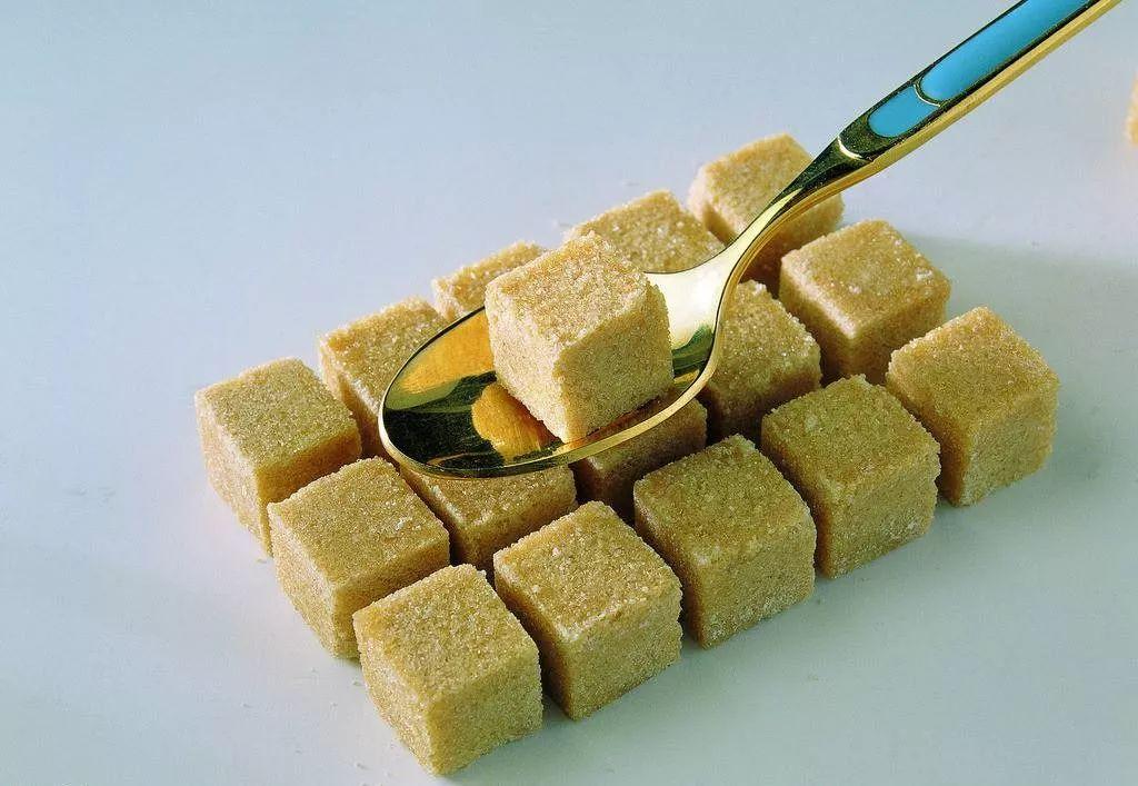 """""""有点糖,能补血,入肾经"""":女人选零食,要看这3个养生标准!插图(1)"""