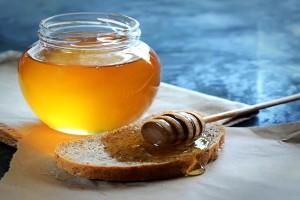 蜂蜜膏和蜂蜜有什么区别?阿胶蜂蜜膏的功效和食用方法?