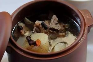 阿胶黑豆雪梨排骨汤与万历皇帝