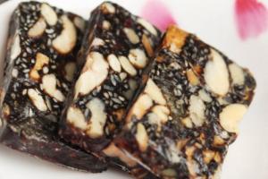 固本堂阿胶糕保质期一般多久 固本堂阿胶糕保质期过了还能吃吗
