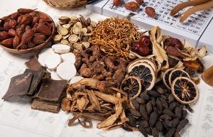 【阿胶的功效与作用】阿胶有什么功效 阿胶的饮食禁忌与真假辨别方法